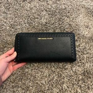 Black Micheal Kors wallet
